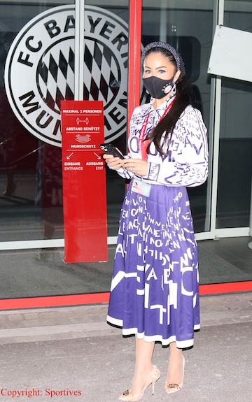 "Sportmanagerin & Rund-Kolumnistin ""Dr. Samira Samii"""